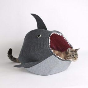 Cama gatos con forma de tiburon AP26000_2